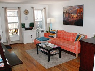 Fully Stocked & Comfy 1BD APT Conveniently Located - Brooklyn vacation rentals