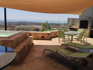 Upmarket listing near The Cradle of Humankind. - Krugersdorp vacation rentals