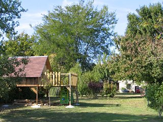 Nice House with Internet Access and A/C - Scorbé-Clairvaux vacation rentals