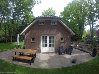 Vacation / Holiday rental cottage Huis van Oranje - Holten vacation rentals
