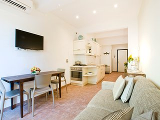 Casa San Giovanni, Elegant Apartment Close to Santa Maria Novella, City Center - Florence vacation rentals