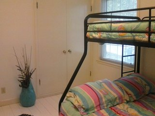 1 bedroom Private room with Internet Access in Green Bay - Green Bay vacation rentals