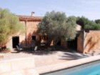 Típica casa mallorquina, piscina PH010IOG - Campos vacation rentals