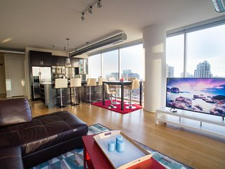 Luxury Skyline Views Heart of River North/Downtown - Chicago vacation rentals