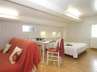 Nice Studio with Internet Access and Central Heating - Saint-Martin-de-Re vacation rentals