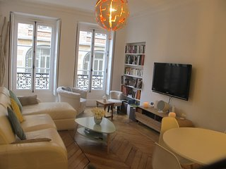 LUXUOUS Apartment close to the Moulin Rouge - Paris vacation rentals