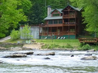 Amenity packed lodge in North Georgia Mountains! - Ellijay vacation rentals