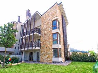 Appartamento nuovo con ampio giardino e camino - Pescocostanzo vacation rentals