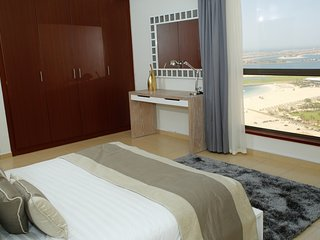 Lovely 2 bedroom Dubai Marina Apartment with Internet Access - Dubai Marina vacation rentals