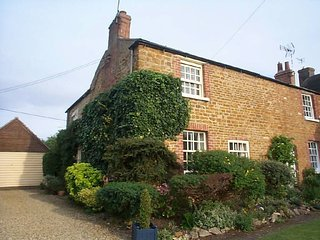 Charming Cottage with Washing Machine and Television - Uppingham vacation rentals