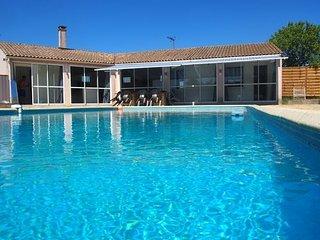 Nice Villa with Washing Machine and Television - Marsillargues vacation rentals
