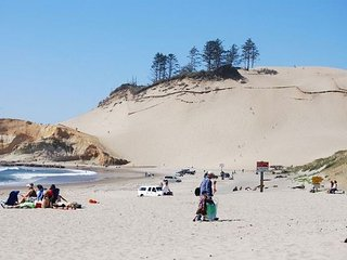 Short Walk To The Beach and Restaurants! - Pacific City vacation rentals