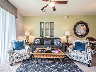 3-bed, 3.5-bath town home with patio, garage and all the special touches. - Orlando vacation rentals