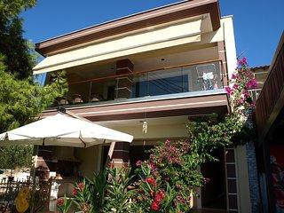 Gorgeous apartment with sea views - Toroni vacation rentals