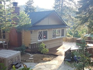 Knickerbocker Trail Retreat - Walk to the Village - City of Big Bear Lake vacation rentals