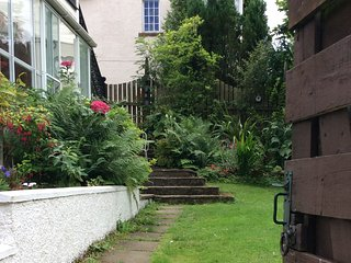 Beautiful historic coach house in Queensferry. - South Queensferry vacation rentals