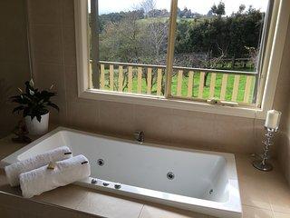 Emerald Ridge Bed & Breakfast - Emerald vacation rentals