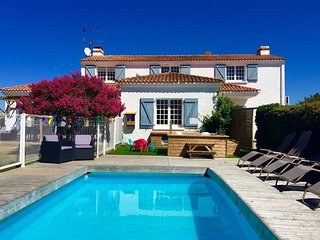 Fabulous reviews, pool, hot tub & nr beach - La Tranche sur Mer vacation rentals