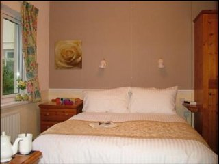 Cottage Court Hotel RM 10 King Size Bedr - Tenby vacation rentals