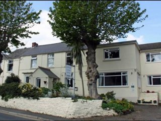 Cottage Court Hotel -  RM 8 & 9  King Size Bed - Tenby vacation rentals