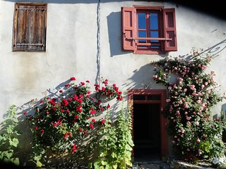 Maison dominant le village de Montségur - Montsegur vacation rentals