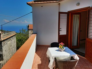 2 bedroom House with Internet Access in Sant'Agata sui Due Golfi - Sant'Agata sui Due Golfi vacation rentals