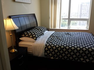 2BD BEST VALUE AND PRIME LOCATION, SQUARE ONE - Mississauga vacation rentals