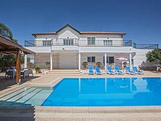 Papas Villa,5 Bed with pool, Wheelchair Accessible - Protaras vacation rentals