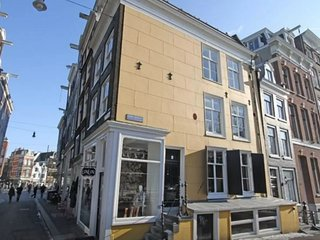 Top Located Amsterdam Canal House - Amsterdam vacation rentals