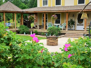 *Adirondack Mtn view* Unique, Exquisite Farmhouse - Keeseville vacation rentals