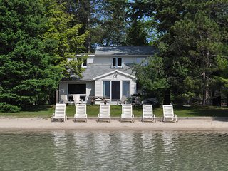Weekly lakeside villa on sparkling Big Glen Lake! - Glen Arbor vacation rentals