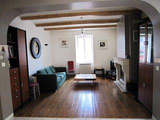 Maison de charme proche de la Rochelle - Croix Chapeau vacation rentals