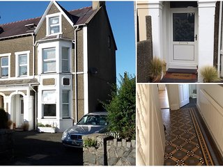 Large house sleeps 12 close to beach, pub & golf - Morfa Nefyn vacation rentals