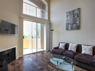 Wonderful Two Bedroom Seconds from the Grove - West Hollywood vacation rentals