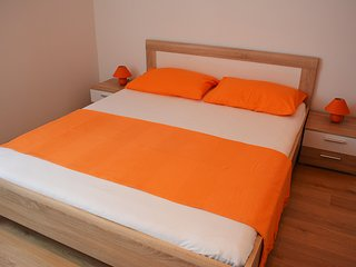 Perfect 1 bedroom Apartment in Raslina - Raslina vacation rentals