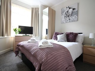1 bedroom Apartment with Internet Access in Doncaster - Doncaster vacation rentals