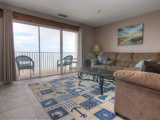 Nice Cottage with Internet Access and Balcony - Madeira Beach vacation rentals