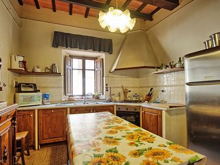 Large Villa with a Private Pool in Tuscany Near a Train to Arezzo - Villa Il Cortile - Capolona vacation rentals