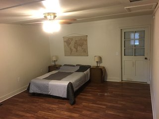 Private room with Entrance in Downtown Hamilton - Hamilton vacation rentals