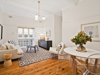 Enviously Located 2BR Apartment LB002 - Lavender Bay vacation rentals