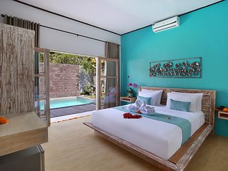 Romantic Deluxe Room with Pool View - Kubu vacation rentals