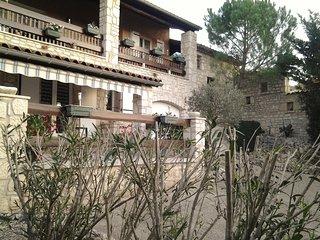 GITE LES LAURIERS ROSES loc dès 2 nuits - Salavas vacation rentals