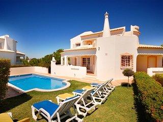 villa Tuly, private poll and garden, next beach - Albufeira vacation rentals