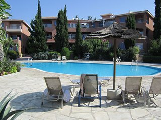Paradise Gardens - Paphos 2 Bedroom Townhouse Apt - Paphos vacation rentals