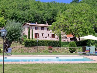 Bright Villa with Television and Fireplace in Serrapetrona - Serrapetrona vacation rentals