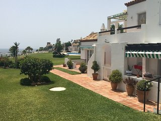 Playa de la Lucera I: luxe appartement aan zee - Mijas vacation rentals
