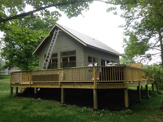 Romantic Cottage with Internet Access and Central Heating - Newfield vacation rentals