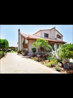 Villa Elēa: seaside country house - Analipsi Village vacation rentals