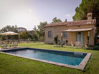 Il nido, lovely tuscan cottage with pool - Pietraia vacation rentals