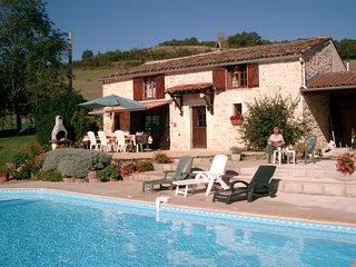 Cordes-sur-Ciel Stone Farmhouse in 2¼ Acres, wifi - Cordes-sur-Ciel vacation rentals
